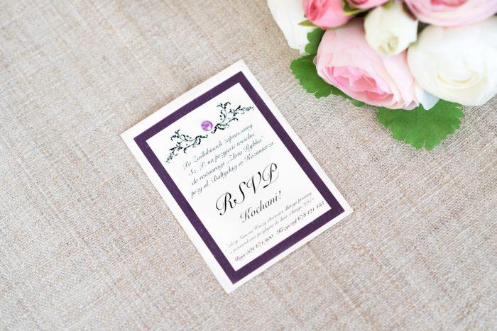 dodatkowa-karteczka-do-zaproszen-eleganckie-z-brylancikiem-fioletowe-brylanciki-srebrny-papier-satynowany