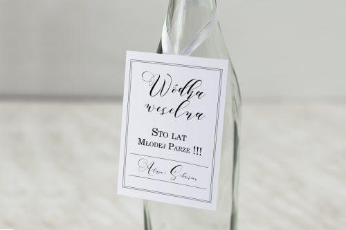 biała zawieszka na wódkę