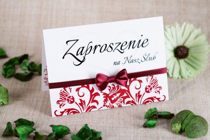 zaproszenie-slubne-ornament-z-kokardka-na-pasku-wzor-5-papier-satynowany-kokardki-na-pasku-chabrowa