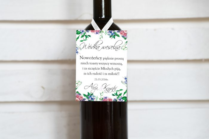 zawieszka-na-alkohol-do-zaproszenia-w-kwiaty-z-kokarda-dodatki-zawieszka-papier-matowy