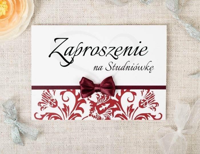 zaproszenie-na-studniowke-z-kokardka-papier-ecruefakturowany-kokardki-male-cytrynowa