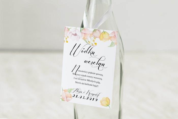 zawieszka-na-alkohol-do-zaproszen-wianki-z-kokarda-pastelowe-anemony-dodatki-zawieszka-papier-matowy