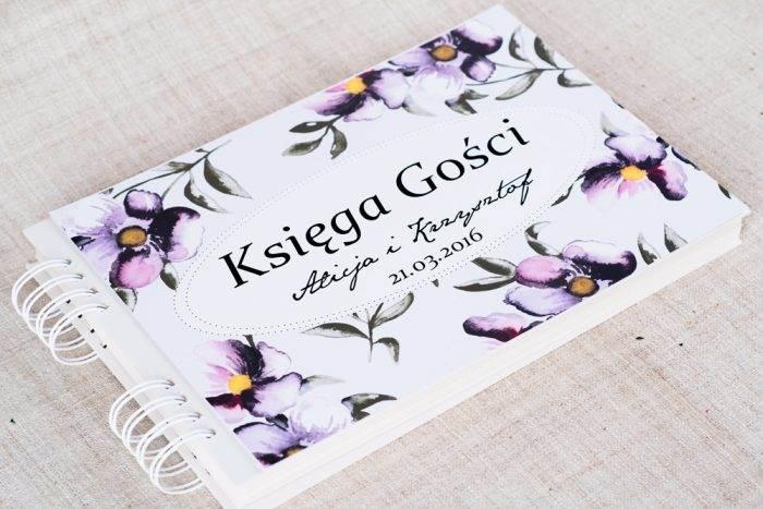 ksiega-gosci-slubnych-kwiaty-fioletowe-papier-matowy-dodatki-ksiega-gosci