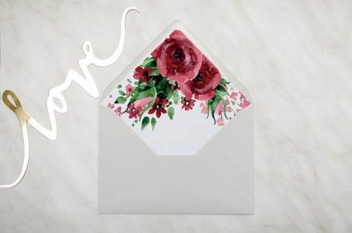 koperta szara c6 z wklejką burgundowe róże