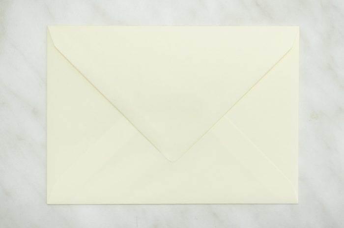 koperta-c6-kremowa-10-szt-do-zaproszen-slubnych