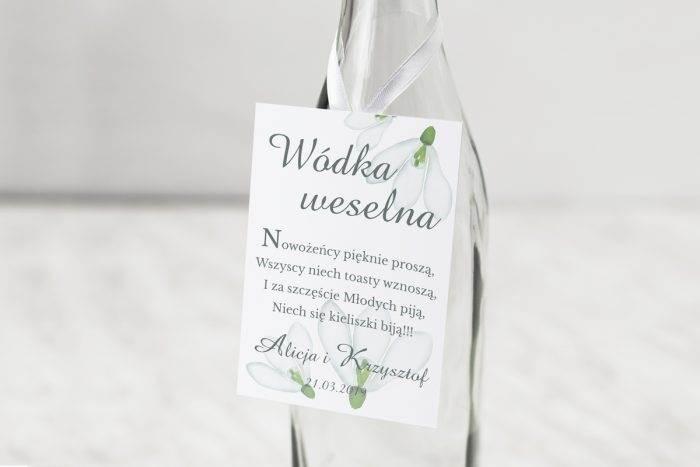 zawieszka-na-alkohol-do-zaproszen-kwiaty-z-nawami-frezje-dodatki-zawieszka-papier-matowy