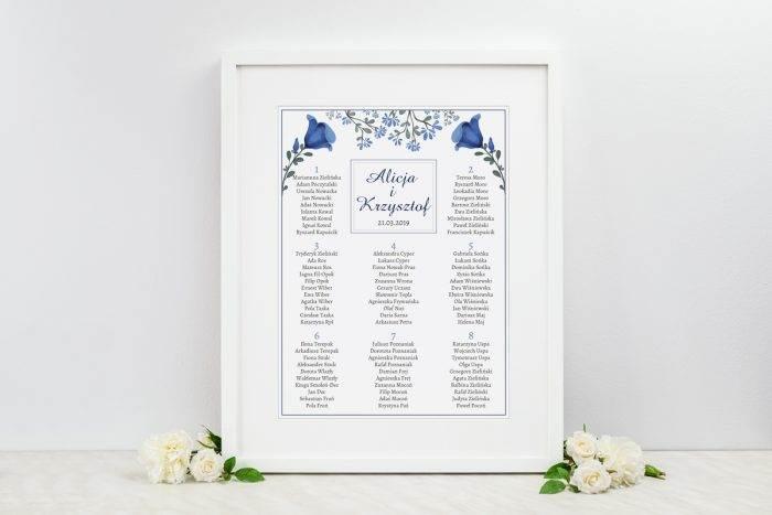 plan-stolow-weselnych-do-zaproszenia-kwiaty-z-nawami-niebieskie-kwiaty-dodatki-ramka-papier-satynowany