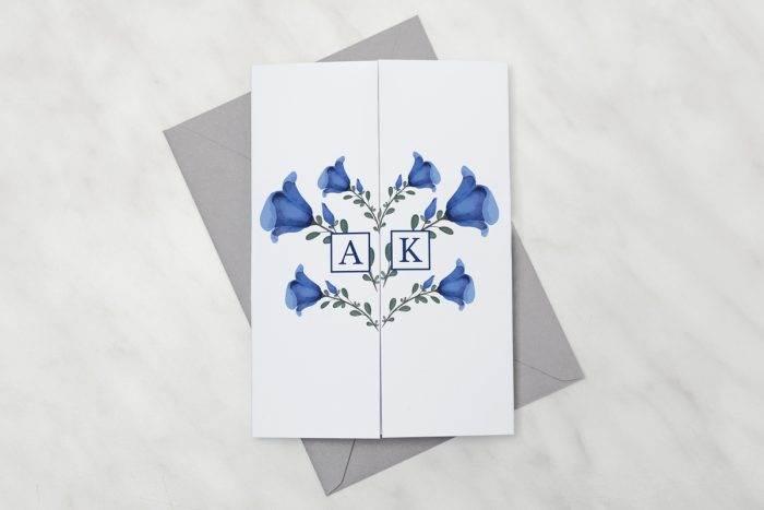 Niebieskie-kwiaty---zaproszenie-z-kopertą
