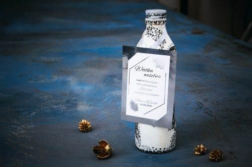 srebrna zawieszka na wódkę weselną