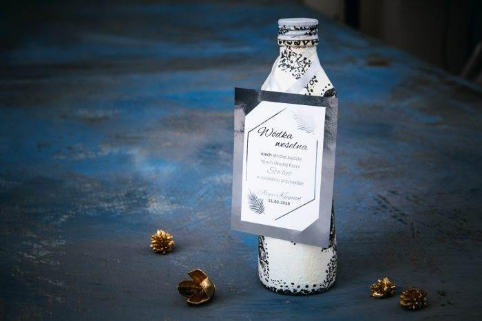 zawieszka-na-alkohol-do-zaproszen-srebrne-lustro-lesne-paprocie-dodatki-zawieszka-papier-matowy-podkladki--foliowanie-