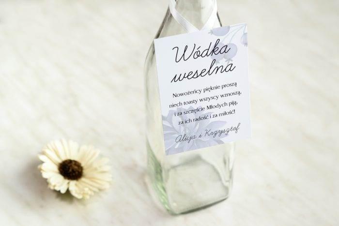 zawieszka-na-alkohol-do-zaproszenia-granatowe-piwonie-dodatki-zawieszka-papier-satynowany