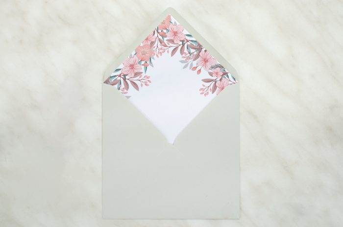 koperta-kwadratowa-szara-z-wklejka-kolorowe-hortensje-koperta-