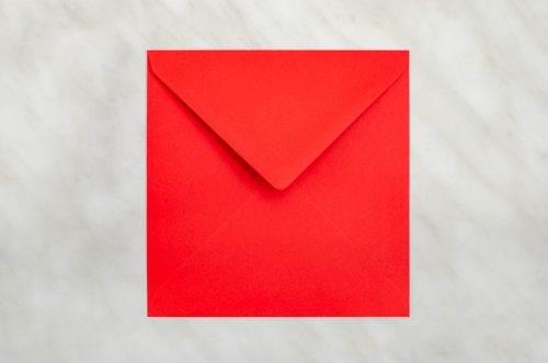 koperta-kwadratowa-czerwona-10-szt-do-zaproszen-slubnych