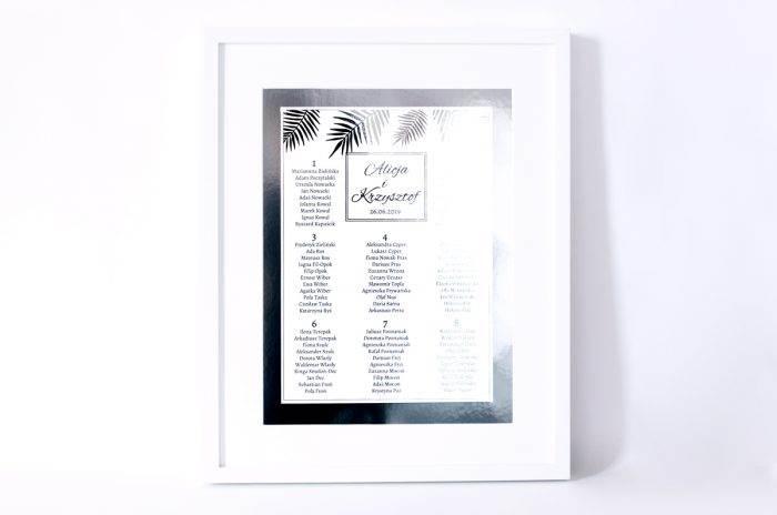 plan-stolow-weselnych-srebrne-lustro-liscie-palmowe-dodatki-ramka-papier-matowy-podkladki-