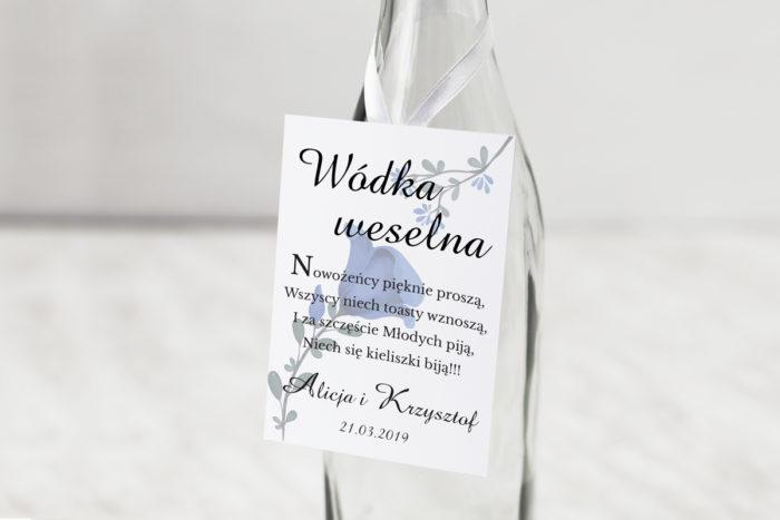 zawieszka-na-alkohol-do-zaproszen-kwiaty-z-nawami-niebieskie-kwiaty-2-dodatki-zawieszka-papier-matowy