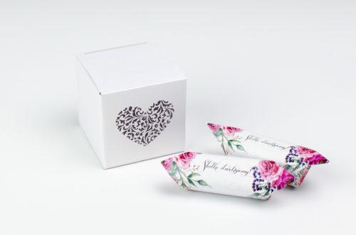Pudełeczko z ornamentowym sercem + krówki