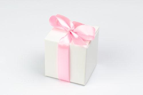 Pudełeczko z różową kokardką