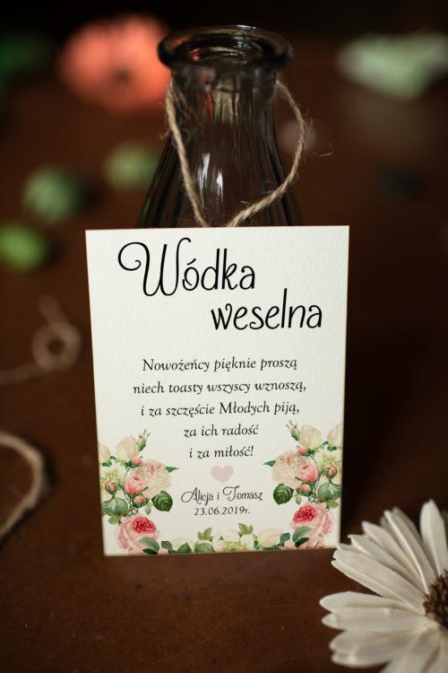 Zawieszka ślubna na alkohol - Kremowa Fantazja Z Różą