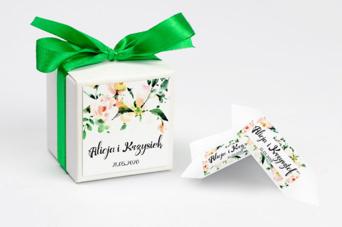 ozdobne-pudeleczko-z-personalizacja-boho-biala-magnolia-kokardka--krowki-z-dwiema-krowkami-papier-