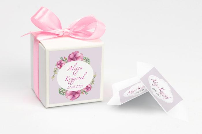 ozdobne-pudeleczko-z-personalizacja-kwiaty-piwonie-kokardka--krowki-z-dwiema-krowkami-papier-