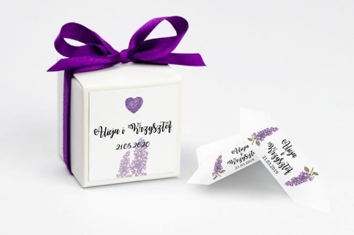 ozdobne-pudeleczko-z-personalizacja-kwiaty-bzy-kokardka--krowki-z-dwiema-krowkami-papier-