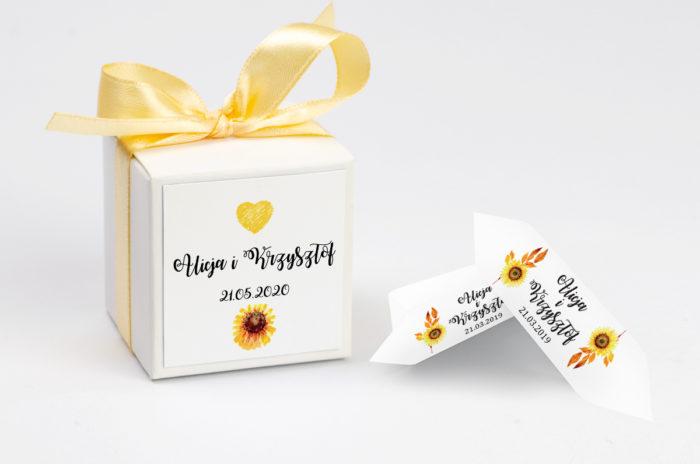 ozdobne-pudeleczko-z-personalizacja-kwiaty-sloneczniki-kokardka--krowki-z-dwiema-krowkami-papier-