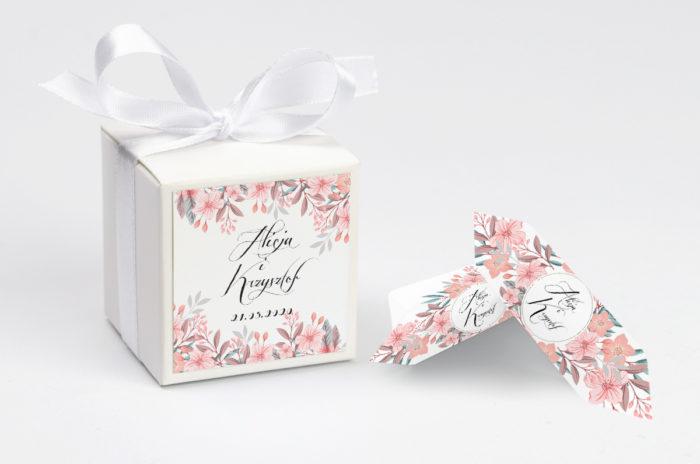 pudeleczko-z-personalizacja-wianuszki-pudrowe-kwiaty-kokardka--krowki-z-dwiema-krowkami-papier-