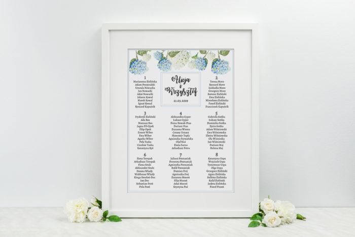 plan-stolow-weselnych-do-zaproszenia-kwiaty-niebieskie-hortensje-dodatki-ramka-papier-satynowany