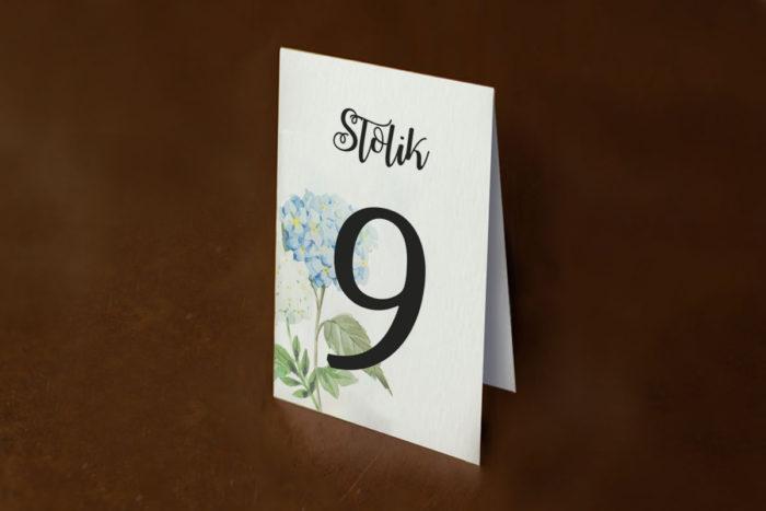 numer-stolika-rustykalne-zaproszenie-slubne-kwiaty-niebieskie-hortensje-papier-matowy