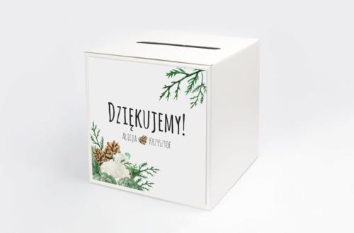 pudełko na koperty z białymi różami i szyszkami