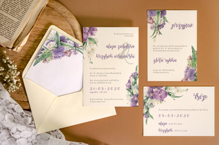 zaproszenie-slubne-jednokartkowe-recyklingowe-fioletowy-bukiet-papier-matowy-350g-koperta-b6-szara-bez-wklejki