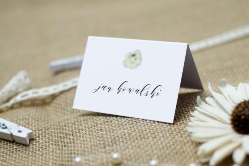winietka ślubna z białą różą