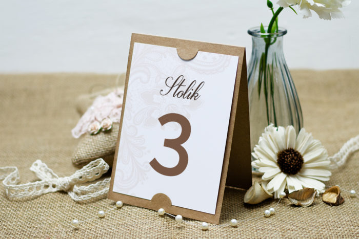 numer-stolika-do-zaproszenia-boho-bezowa-koronka-podkladki-szarans-papier-satynowany
