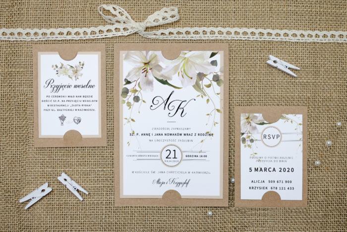 zaproszenie z dodatkowymi karteczkami w lilie