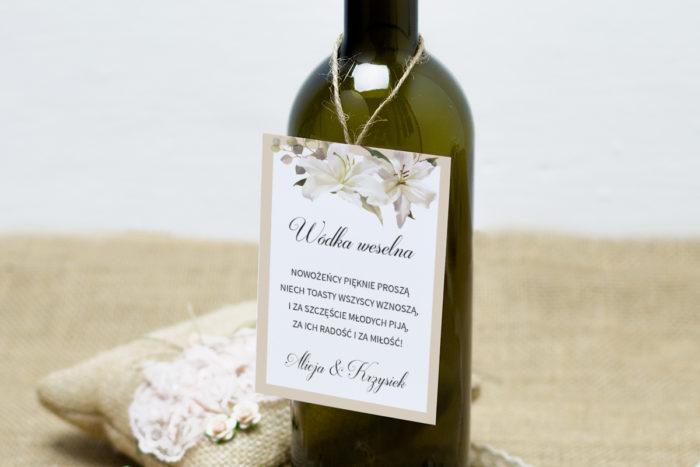 zawieszka-na-alkohol-do-zaproszen-boho-eleganckie-lilie-dodatki-zawieszka_jutowa-papier-satynowany