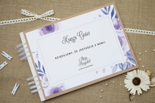 księga gości w fioletowe kwiaty