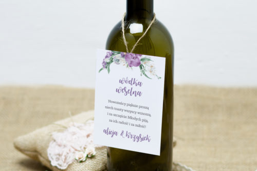 zawieszka na alkohol z fioletowym bukietem kwiatów