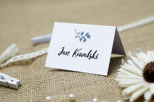 winietka ślubna z niebieskim kwiatem