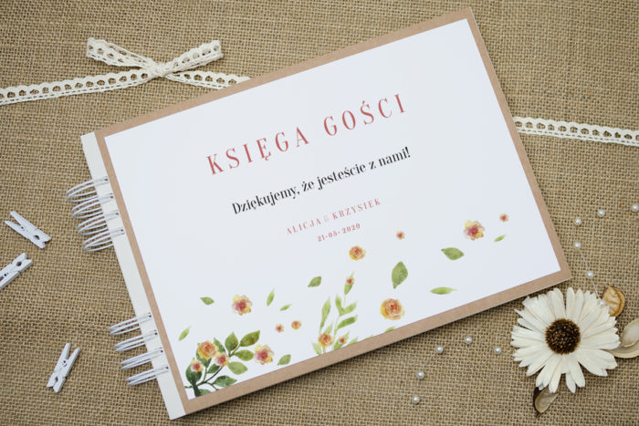 ksiega-gosci-slubnych-boho-recyklingowe-rozrzucone-kwiaty-podkladki-szara-do-ksiegi-gosci-dodatki-ksiega-gosci-papier-satynowany