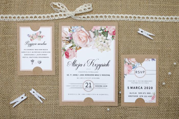zaproszenie z dodatkowymi karteczkami z bukietem pastelowych kwiatów