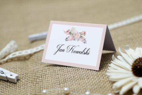 winietka ślubna z bukietem kwiatów