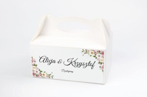 pastelowe-kwiaty-ciasto