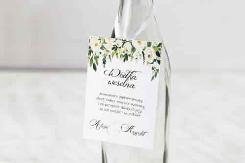 zawieszka białe kwiaty