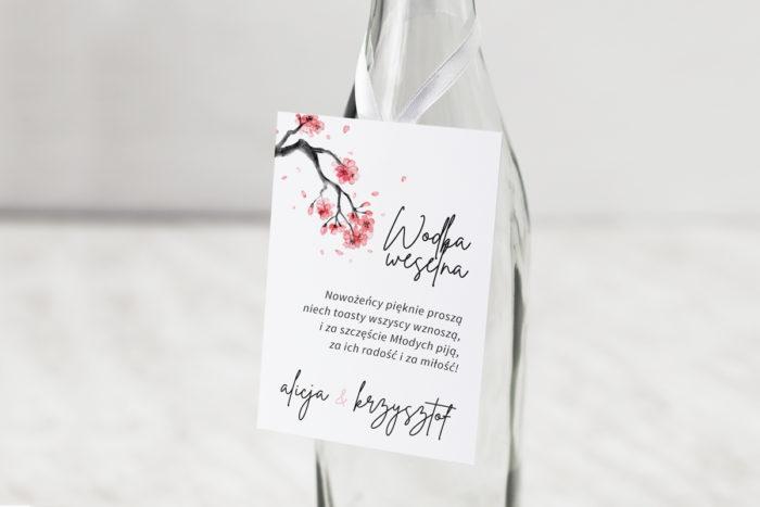 zawieszka-na-alkohol-do-zaproszenia-jednokartkowe-recyklingowe-japonska-wisnia-dodatki-zawieszka-papier-matowy