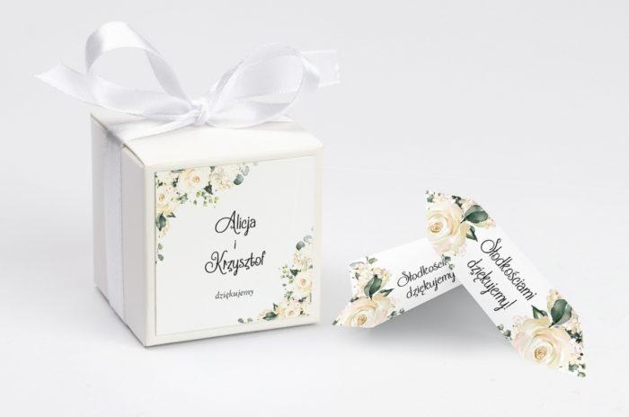pudełko na krówki w białe hortensje