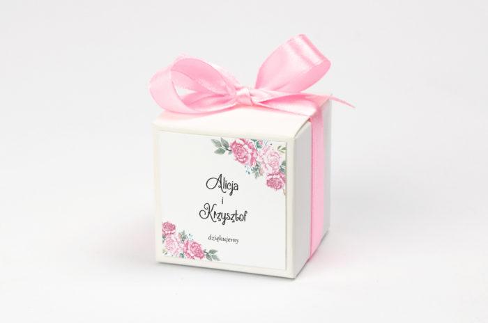 pudełko na krówki z różowymi kwiatami