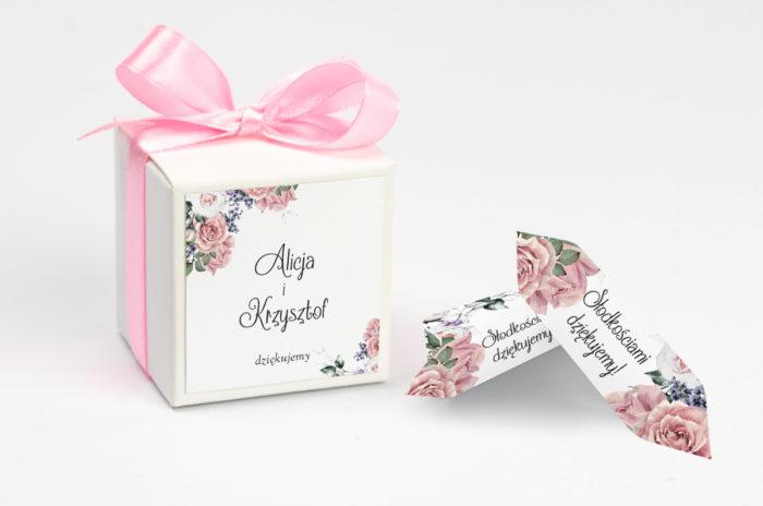 personalizowane pudełeczko na krówki pastelowe róże