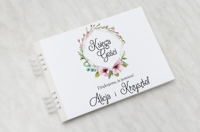 ksiega-gosci-pastelowe-kwiaty-papier-matowy-dodatki-ksiega-gosci