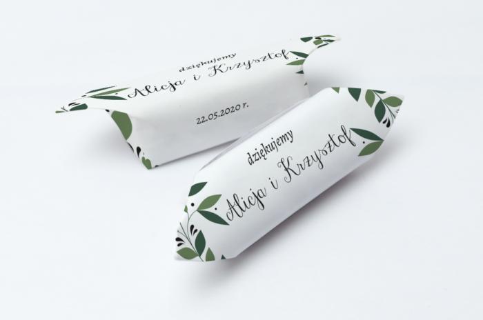 krowki-slubne-1-kg-kwiaty-z-nawami-zielony-wianek-papier-papier60g