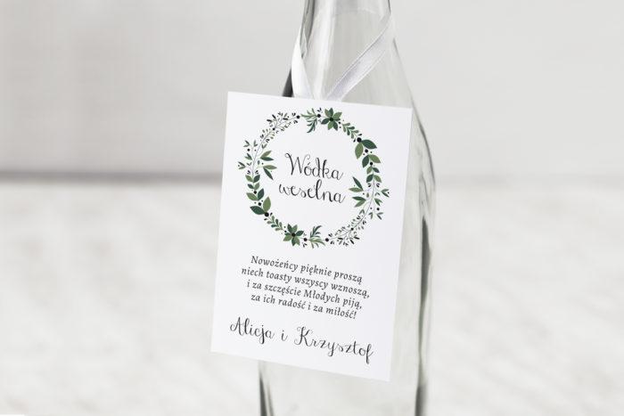 zawieszka-na-alkohol-do-zaproszen-kwiaty-z-nawami-zielony-wianek-dodatki-zawieszka-papier-matowy